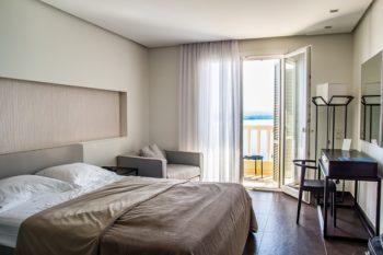 I migliori alberghi vicino l 39 aeroporto di crotone tariffe for Soggiornare a londra spendendo poco